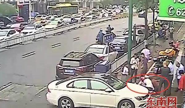 莆田一2岁男童6楼坠落 路过护士及时出手施救