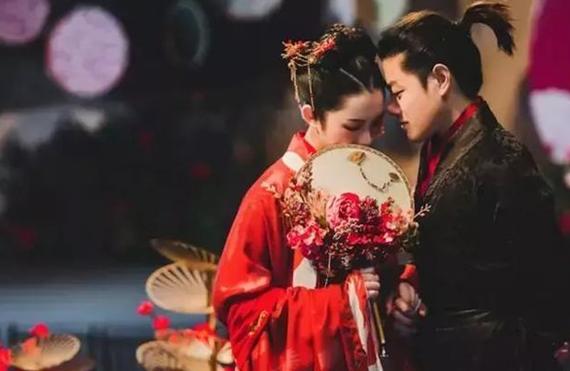 父母?#19981;?#30340;中式婚礼竟然这么好看 近来甚是流行