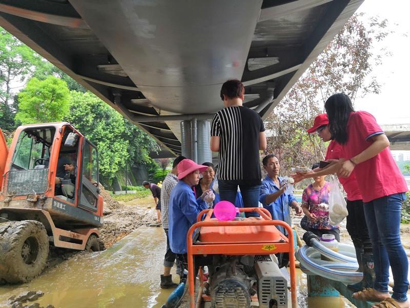三明:各界市民自发参与救灾 奏响文明山城动人乐章