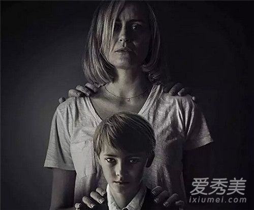 2019内地电影排行榜前_戳中中国人30年的痛点,电影节看哭无数人,这部华