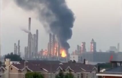江苏泰州工厂火灾现场图曝光浓烟滚滚 江苏泰州工厂火灾原因是什么