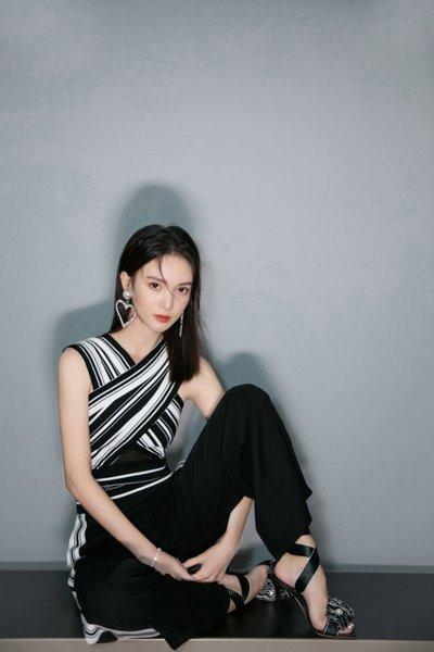 金晨王大陆恋爱是真的吗?前两天绯闻男友还是贾乃亮