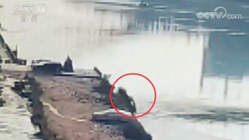 轿车坠入金沙江事件始末 轿车为什么会坠入金沙江怎么回事?