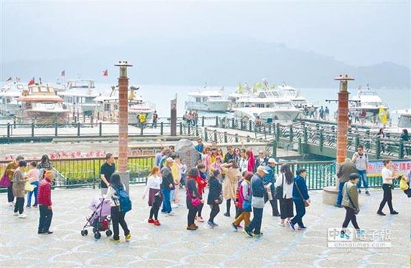 大陆游客赴台人数3年骤降150万 他叹台湾观光剩半条命