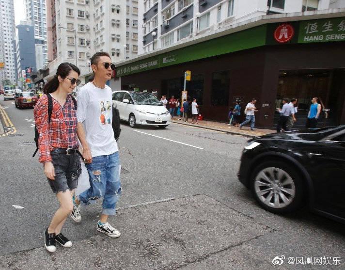 洪欣张丹峰和好如初了吗?洪欣张丹峰牵手逛街照片是作秀吗细节曝光
