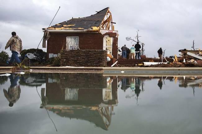 龙卷风袭击美国有多猛烈 龙卷风袭击美国次数范围现场照曝光