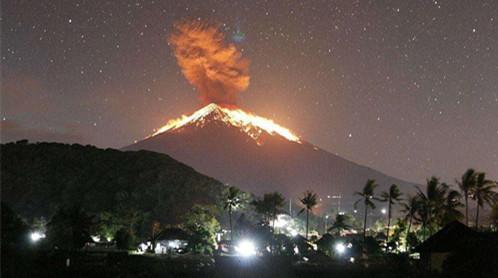 巴厘岛火山再喷发现场图曝光 巴厘岛火山再喷发哪些航班受影响