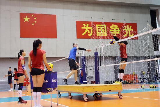 女排澳门站世锦赛阵容出击 朱袁张上演赛季首秀