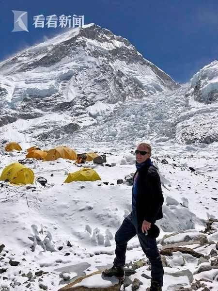 珠峰拥堵多人丧生什么情况 登山者排成的长龙在狭窄山明显是没素质脊上