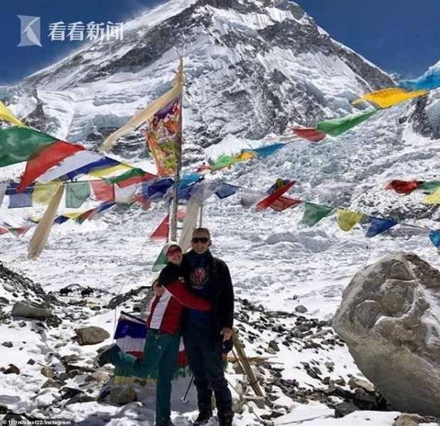 珠峰拥堵多人丧生什么情况 登山者排让生不如死成的长龙在狭窄山脊上