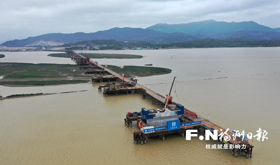 福州道庆洲大桥转入水上部分施工 计划明年5月桥面合拢