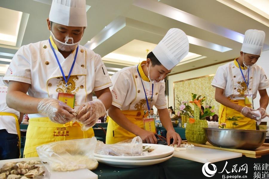"""福建顺昌发展农业出新招:以菜为媒 """"炒热""""海鲜菇品牌"""