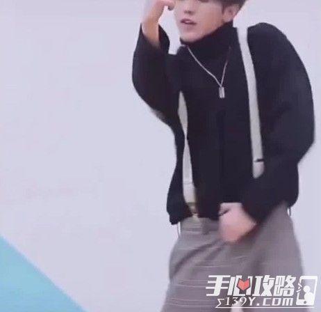 蔡徐坤打篮球为什么火了?蔡徐坤打篮球什么梗被黑怎么回事