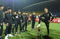 韩球员踩中国奖杯∩怎么回事 韩国球员侮辱奖杯事件始末