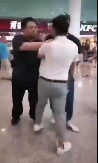 罗永浩机场起争执新闻介绍?罗永浩机场为什么和他人起争执始末
