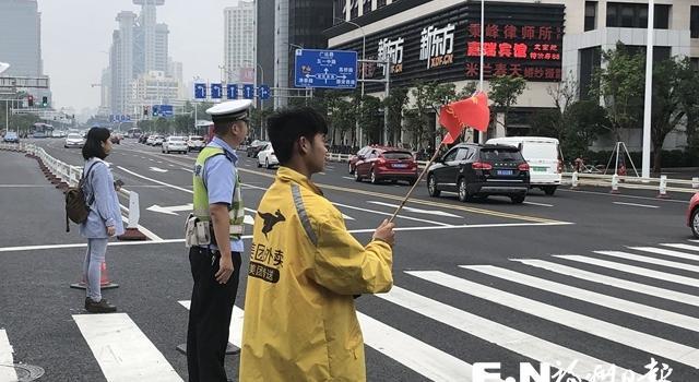 福州交警严查严处各类非机动车交通违法行为