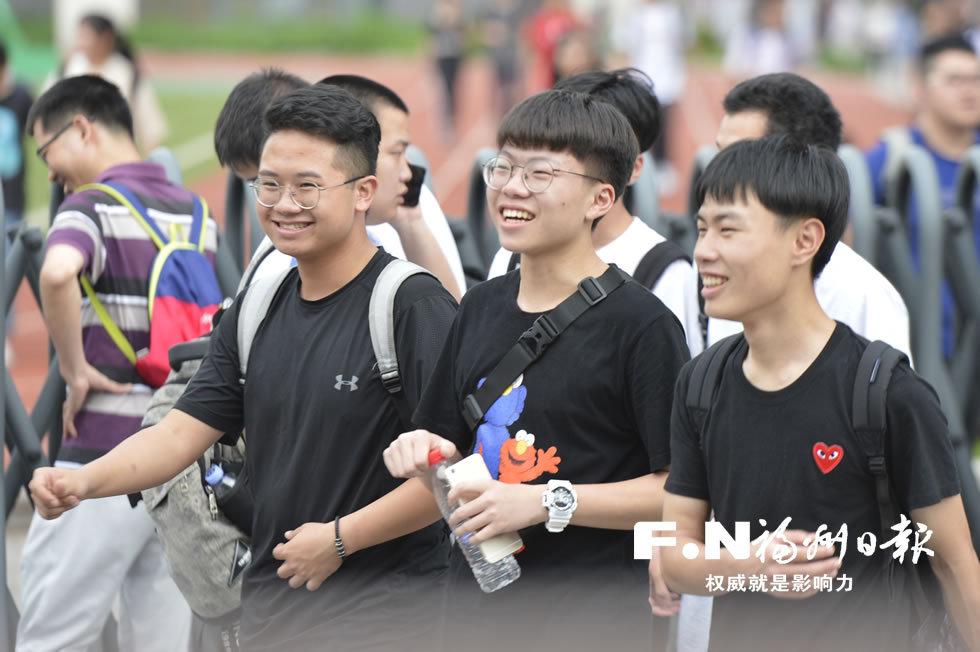 福州:高考首日 秩序井然
