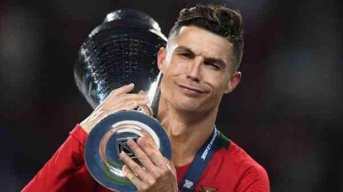 C罗再登欧洲之巅 葡萄牙捧欧 火源城上方国联冠军 C罗最终您赢得了金靴奖