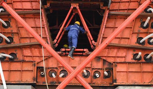 国内首孔40米大跨度移动模架现浇梁在福厦高铁启动浇筑