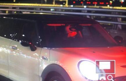 刘昊然拿到驾照开车照片曝光 无数迷妹隔空喊话想坐副驾驶!