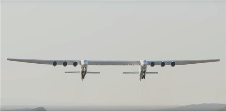 世界最大飞机将出售:翼展117米,比足球场还长