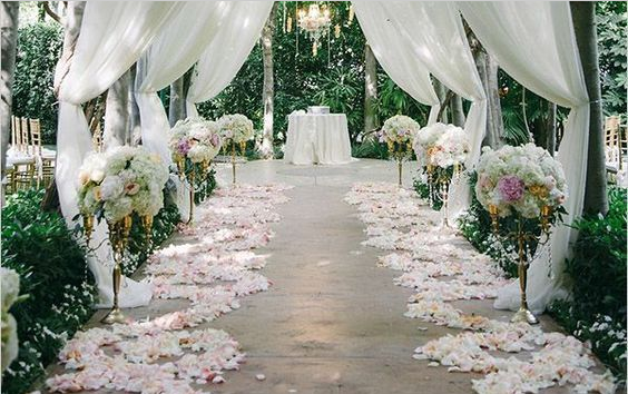 户外婚礼:夏天来啦 如何布置一个不一样的婚礼