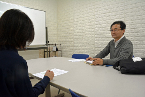 日本啃老现象严重怎么回事 40-64岁人群一半多人宅龄超7年