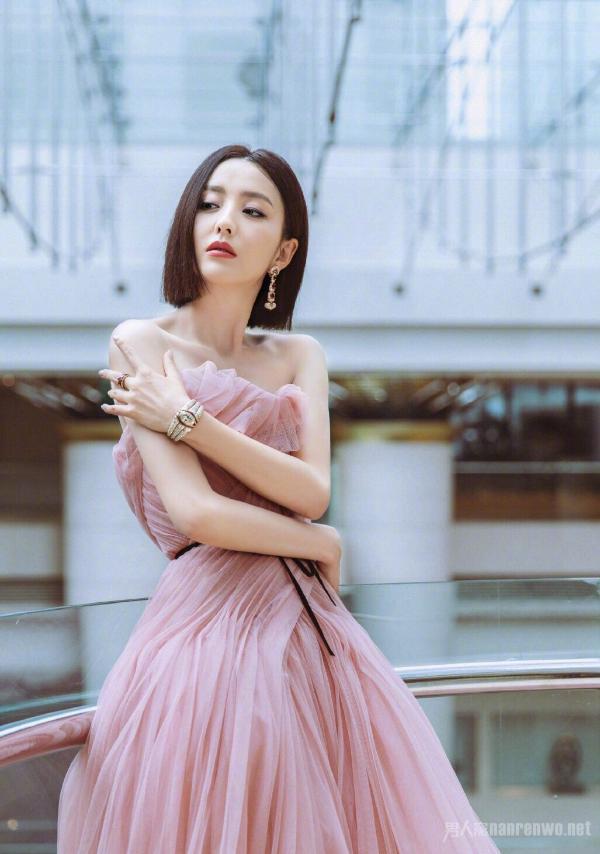 佟丽娅豆沙粉纱裙照片曝光太惊艳了!佟丽娅豆沙粉纱裙组图仙女本仙