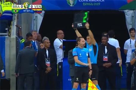 美洲杯:补时结束又补2分钟 巴西差点绝杀