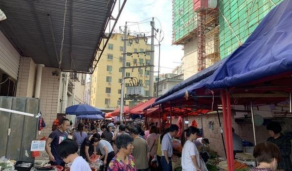 """曝光!宁德一商业广场消防通道竟""""沦为""""菜市场"""