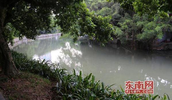 莆田荔城一公园内河流肮脏发臭 经整治得到改善