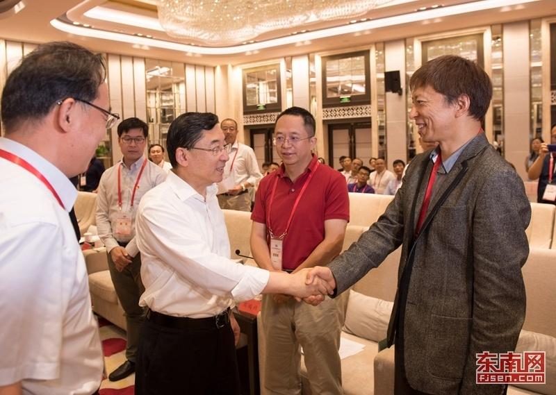 福建省委書記于偉國會見北京網絡媒體紅色故土行媒體團一行