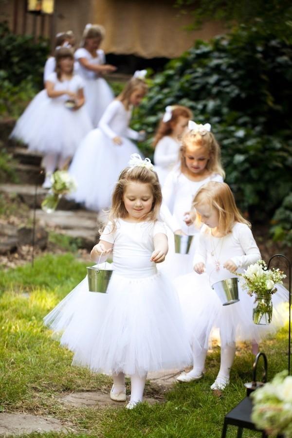 可愛的花童也需要禮服 兒童婚紗該怎么選擇呢?