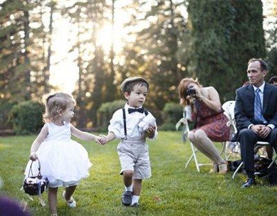 可爱的花童也需要礼服 儿童婚纱该怎么选择呢?