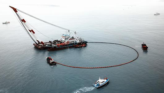 泉州海域首次舉辦工程船海上綜合應急演習