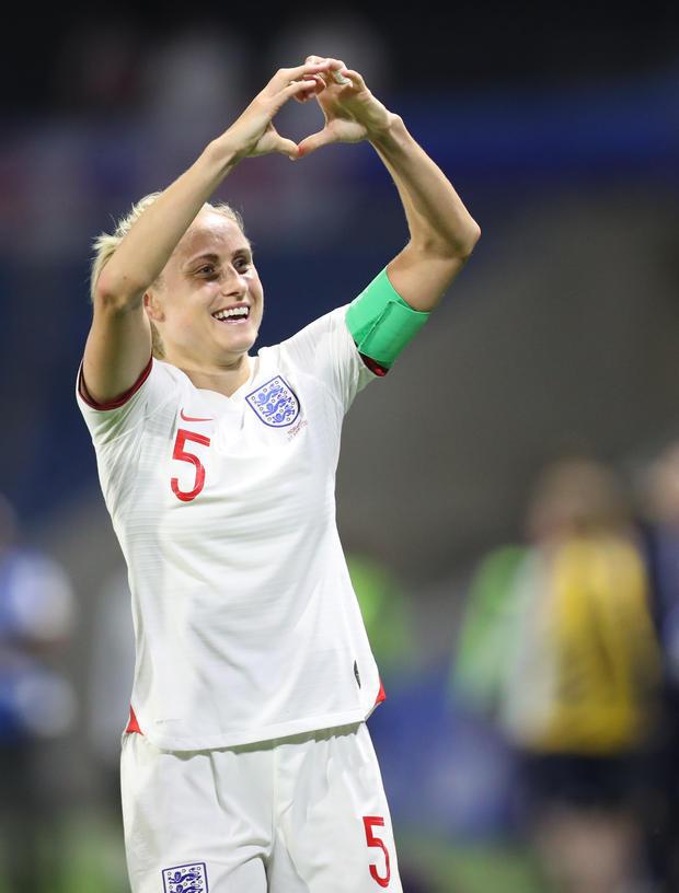 貝克漢姆攜小七助陣世界杯 英格蘭女足晉級
