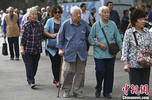 資料圖:老人們參加活動。 <a target='_blank' href='http://www.chinanews.com/'>中新社</a>記者 泱波 攝