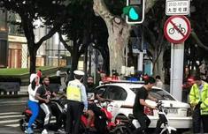 哈登騎電動車被抓怎么回事 哈登騎電動車被抓現場圖片曝光