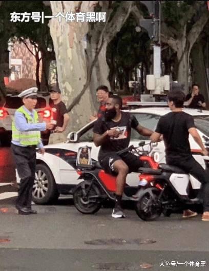 哈登骑电动车被抓 哈登成第一个在澳门银河手机版官网被交警拦截的NBA球星