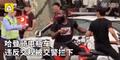 郭艾伦教哈登骑车怎么回事 哈登在上海违反交规被交警拦下