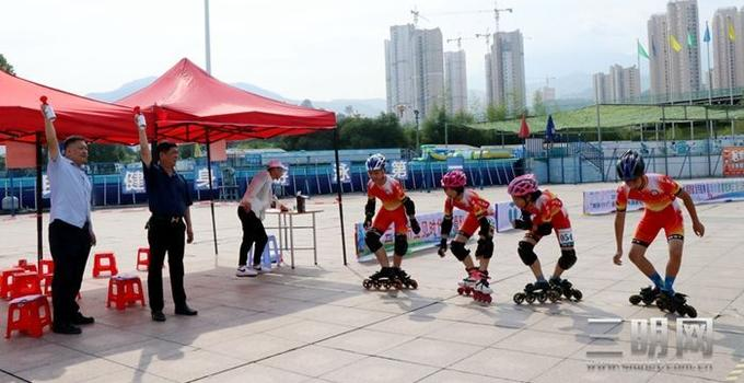 速度與激情!全國輪冰111選拔賽(三明站)在三明市體育館舉行