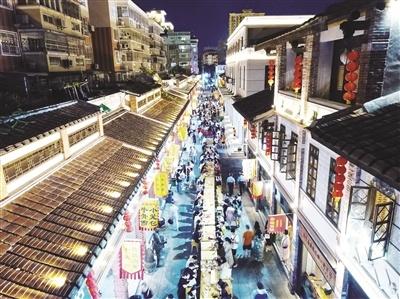 漳州古城小吃長桌宴昨晚開席