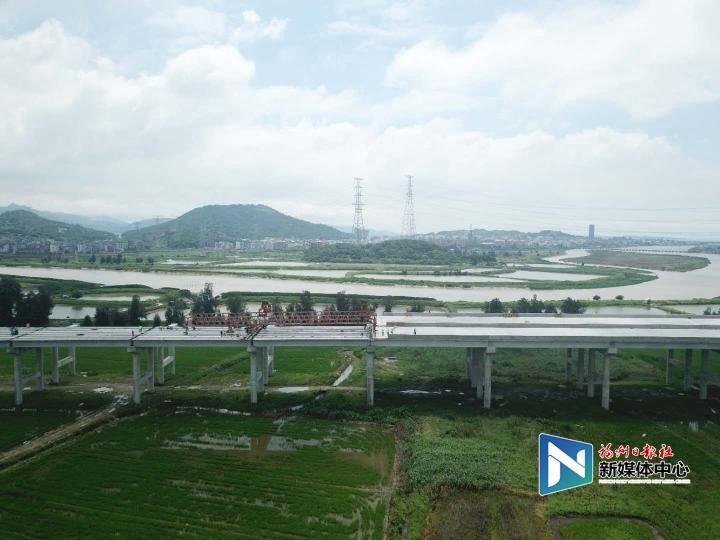 長福高速A3合同段建設提速 項目進入沖刺階段
