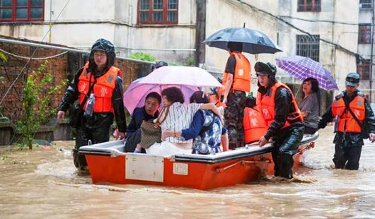 福建多地发生强降雨 多部门联合抢险救灾