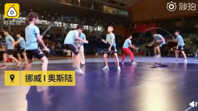 中国小学生跳绳世界杯夺60枚金牌 3分钟跳1141下