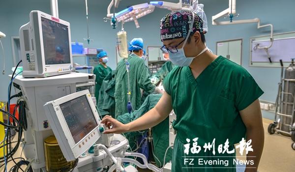 记者走进手术室,揭秘麻醉医师鲜为人知的故事