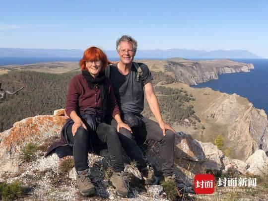 6旬瑞士夫妇开着房车巡游世界 梦想与年龄无关