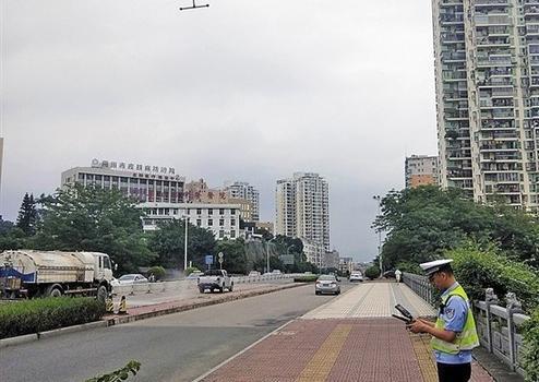 """莆田交警巧用◆无人机 查纠""""两轮车""""逆向行驶"""