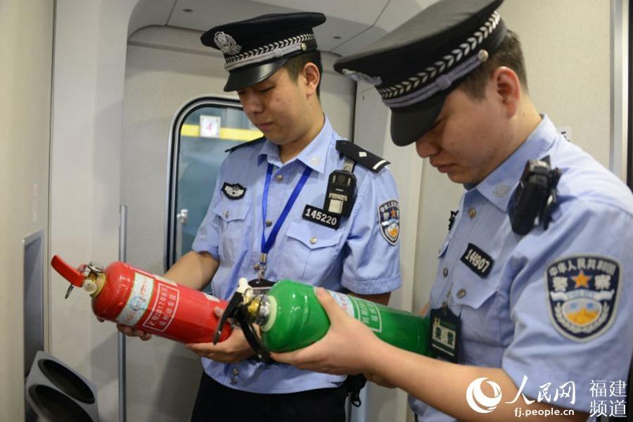 """福铁警方启动""""平安站车路、金盾护你行""""专项行动"""