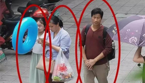 章子欣母亲首露面曾回应质疑:家庭拮据没钱来浙